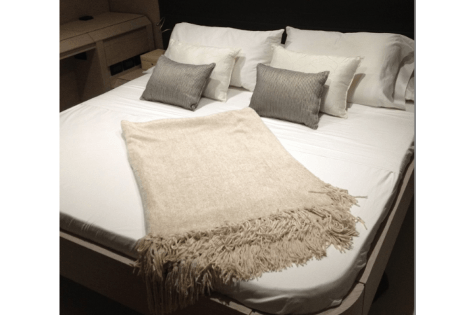 newcastle q o safira c charter previous yacht k w h marine luxury bedding next motor bed